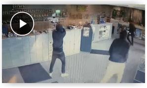 06003da8de6da7 Man uses bong to fight off gang of cannabis shop robbers in Ontario